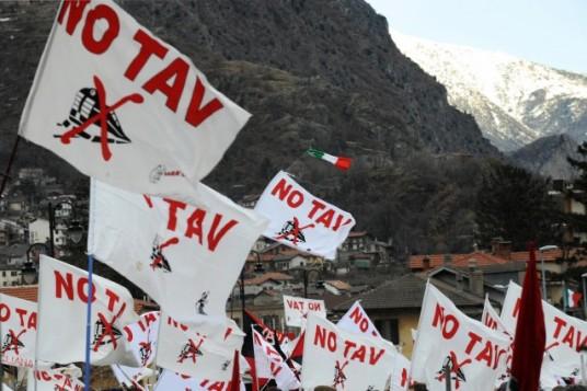 no-tav-tante-bandiere